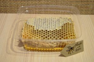 Natural-Pure-Raw-Honeycomb-Squares-100-Organic-Just-Fresh-From-Bee-Hives-262020890933-6