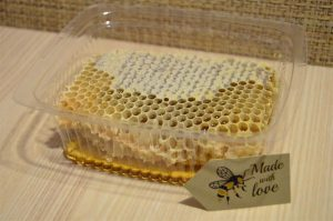 Natural-Pure-Raw-Honeycomb-Squares-100-Organic-Just-Fresh-From-Bee-Hives-262020890933-9